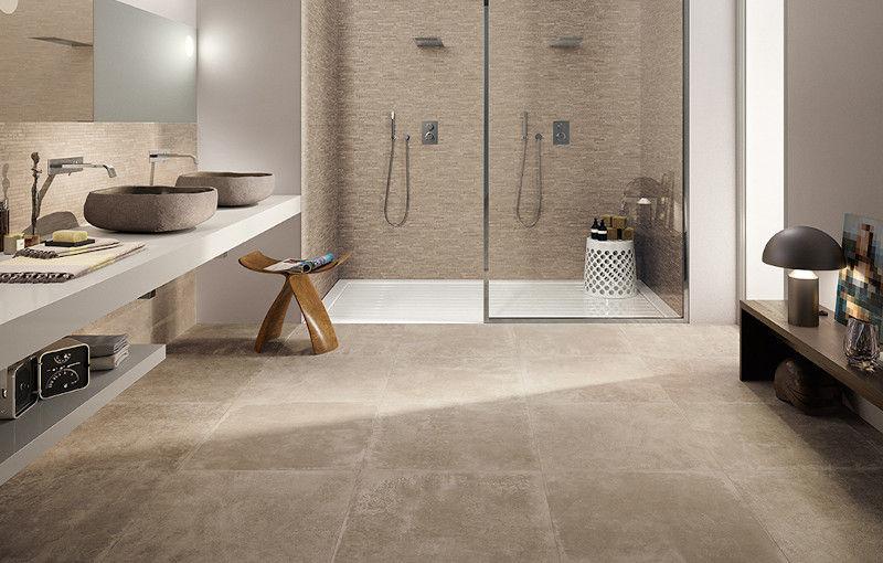Piastrelle e rivestimenti per il bagno moderno: idee e consigli